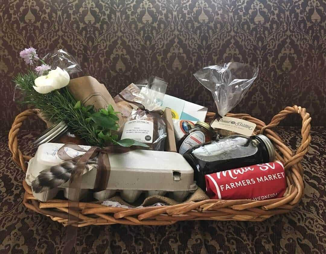 Main St Farmers market gift basket of goodies