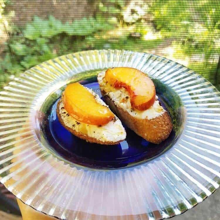 Ocoee Creamery plated peaches and bread