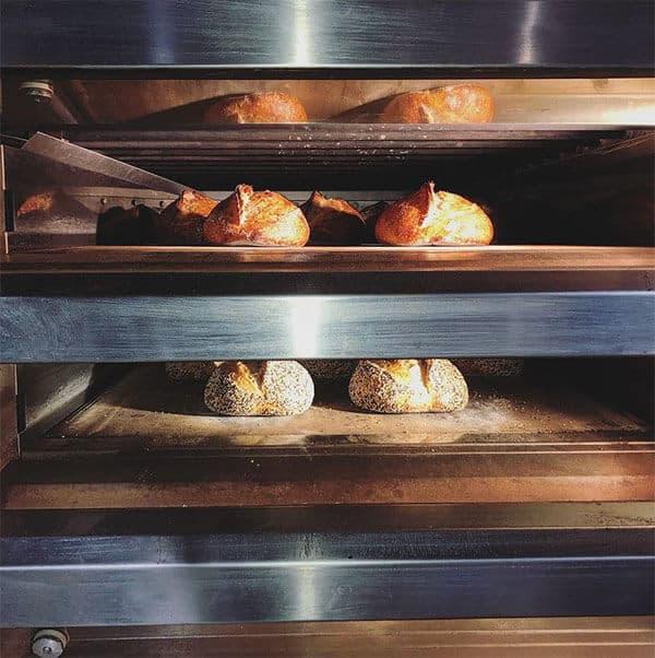 Niedlov's bread in the oven